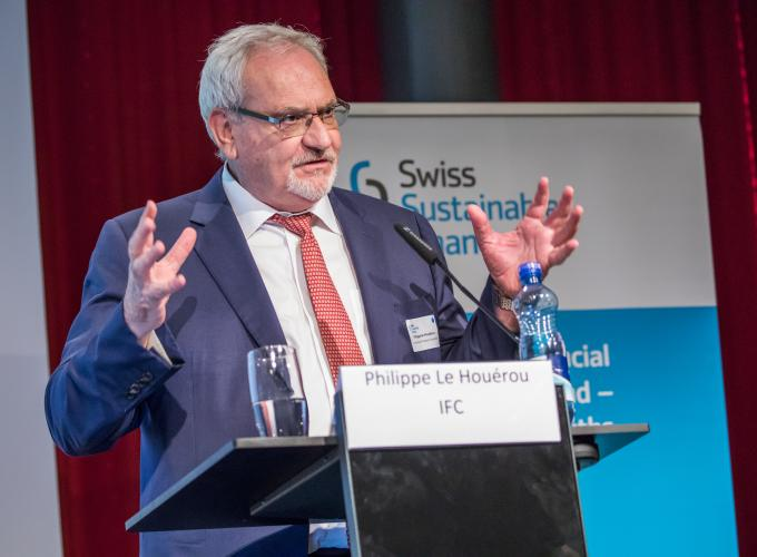 Philippe Le Houérou presenting why private sector involvement is important