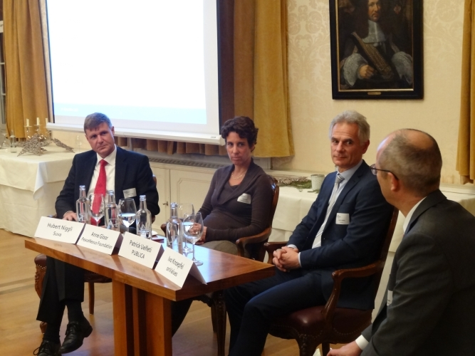 Panel discussion moderated by Ivo Knoepfel (onValues)